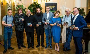 """Raimonds Pauls, krāšņi ziedi un latviešu džezs Kristīnes Prauliņas albuma """"Kontrasti"""" prezentācijā!"""